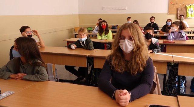 Nis viti i ri shkollor në Kosovë/ Vaksina kriter për