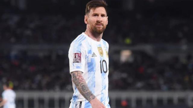 """""""Messi, të lutem fale nënën time"""". Fotoja e një"""