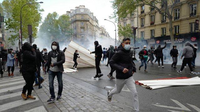 Gaz lotsjellës ndaj protestuesve pro-palestinezëve në Paris