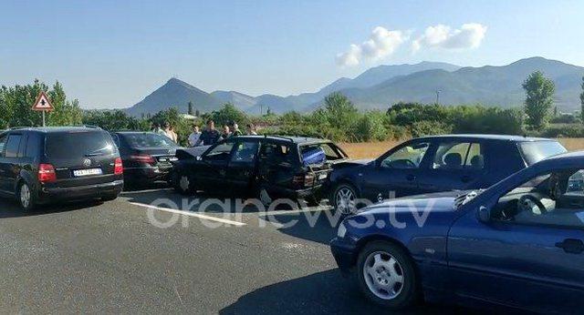 Lezhë, aksident i trefishtë, përplasen makinat e maqedonasit,