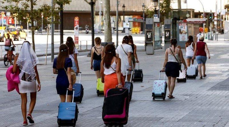 Spanja kritika Britanisë: Vendimi për karantinën 14-ditore,  i
