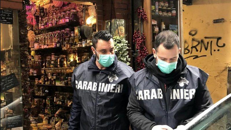 Itali, plagos vëllezërit me thikë në Xhenova, arrestohet i