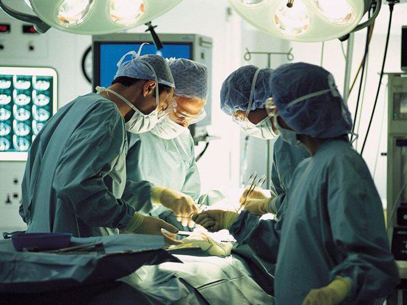 Studimi italian: Transplantimi, kura më e mirë për kancerin e