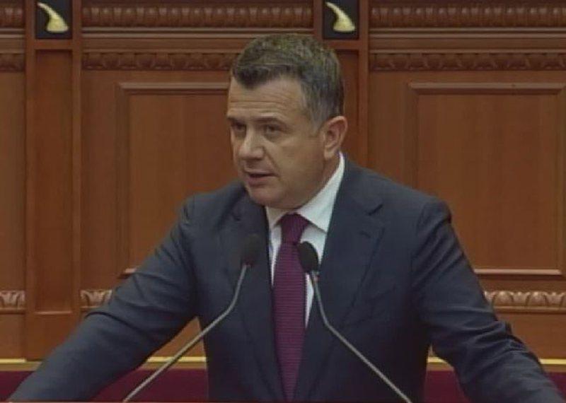 """Balla """"kusht"""" opozitës parlamentare: Na jepni konsensus për"""