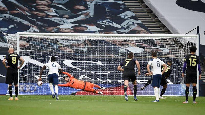 VAR tërbon Mourinhon, Tottenham ndëshkohet në fund. Darlow 11