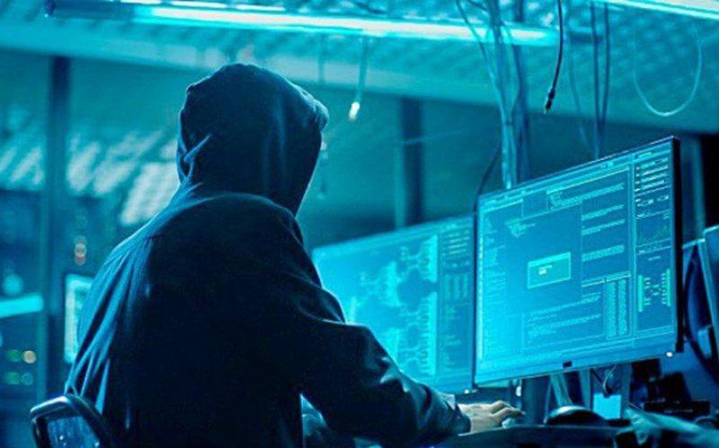 Hakerat Robin Hudë që vjedhin paratë për bamirësi