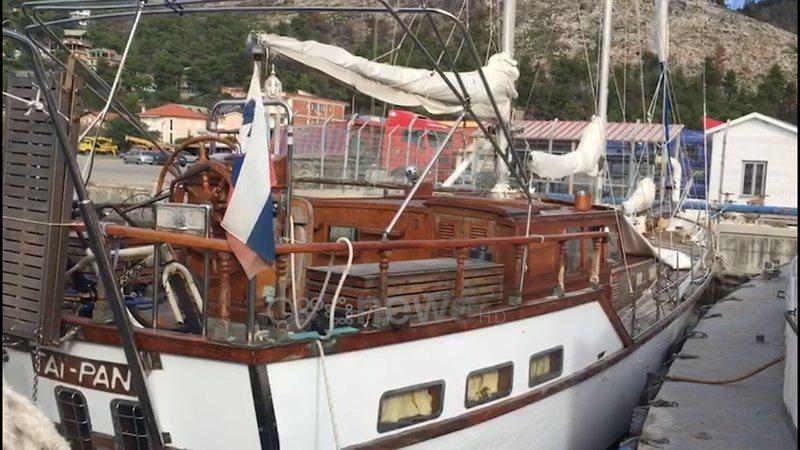 Jahti me flamur slloven braktiset në Shëngjin, u nis nga Greqia,