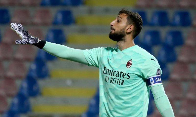 Covid-19 tremb Milanin, dy futbollistë dhe 3 pjesëtarë të