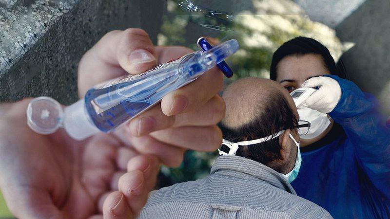 463 infektime të reja dhe 6 viktima/ Mediat greke: Ditë e