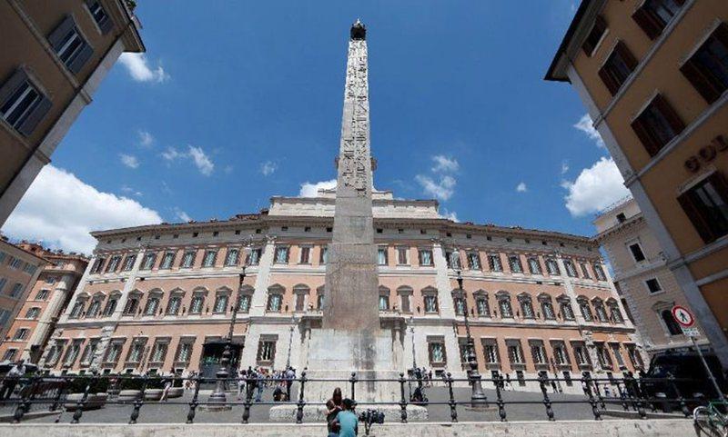 Një vit nga nisja e emergjencës pandemike, Italia plotësisht