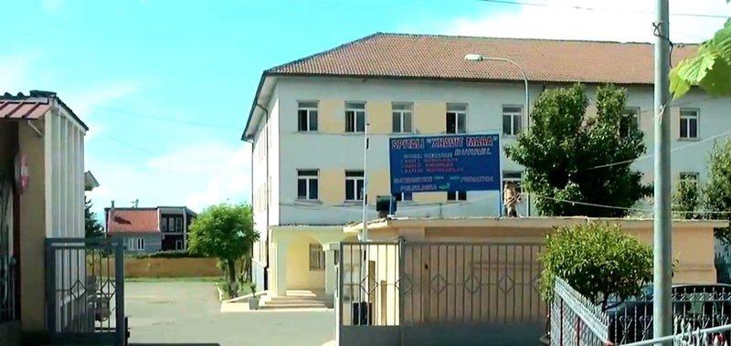 Covid paralizon spitalin në Mat, 3 mjekë pozitivë dhe 4 personel