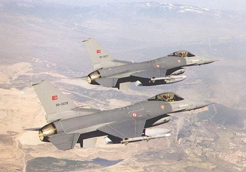 Tensione në rritje/ Avionë luftarakë turq mbi Greqi, Ankaraja