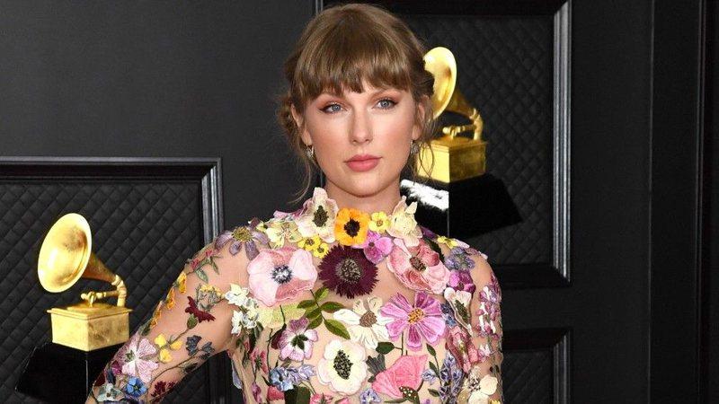Taylor Swift thyen rekordin e Beatles pas 54 vitesh