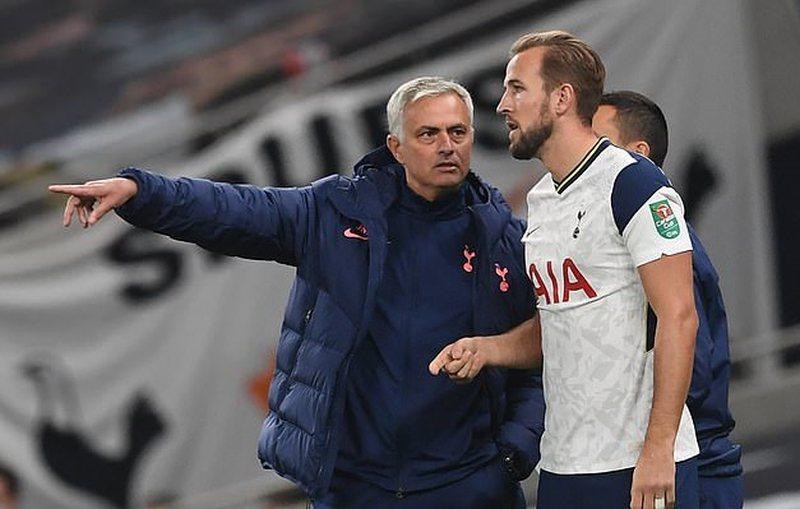 Mourinho nuk e lëshon Harry Kane: Është i lumtur te Tottenham