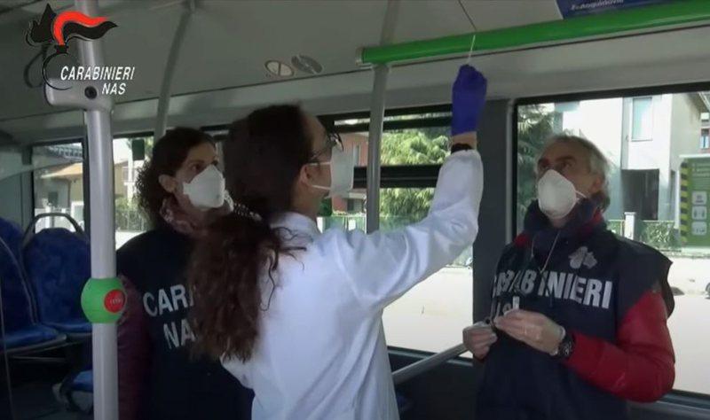 Mjetet e transportit publik vatër infeksioni, gjoba deri në 25