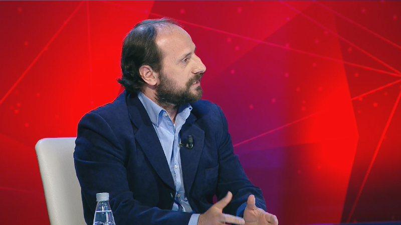 Goxhaj: Ministrja mashtroi se merret 2400 euro nga kontrollorët, rrogat