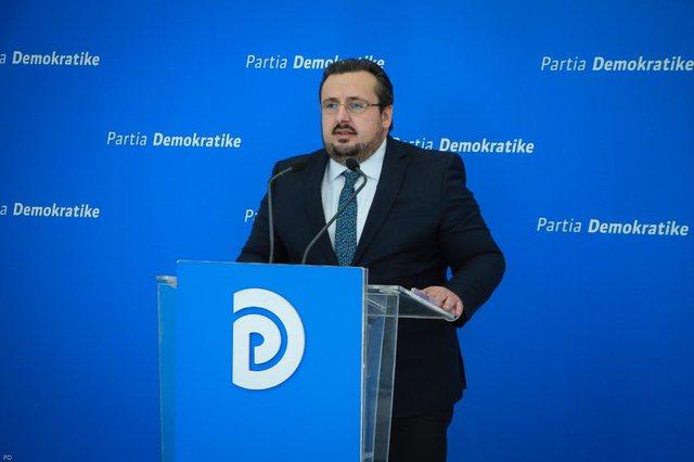 """Rindërtimi/ """"52 mln euro për 12 pallate"""", Denoncimi i PD:"""