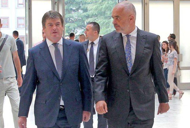 Bamir Topi i pabindur me Ramën si kryetar partie dhe që nuk mban