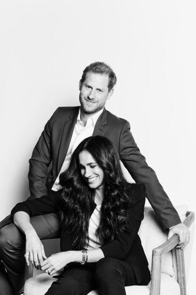"""Një foto """"jo-mbretërore"""" e Meghan dhe Harry-t"""