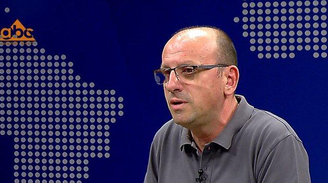 Mjeku Mezini për përdorimin e maskës në rrugë: Nuk
