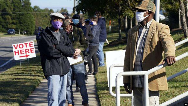Covid-19 nxit pjesëmarrje rekord në votimet e hershme në SHBA