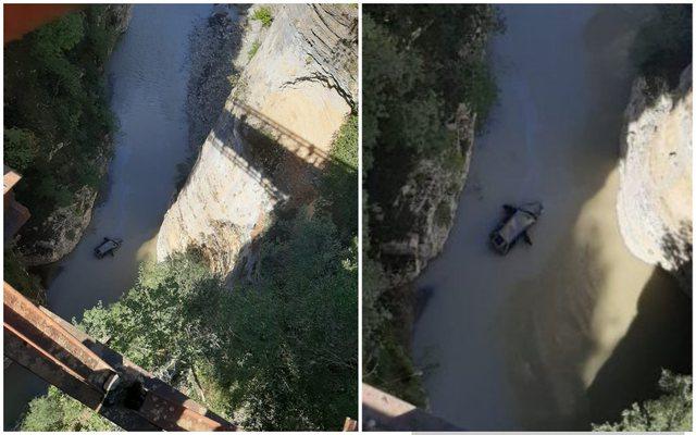 Foto/Aksident në Urën e Blëzeckës, makina bie në