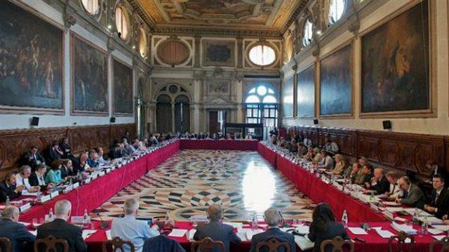 PD-LSI i ankohen Venecias: Mazhoranca kërkon të vjedhë dhe