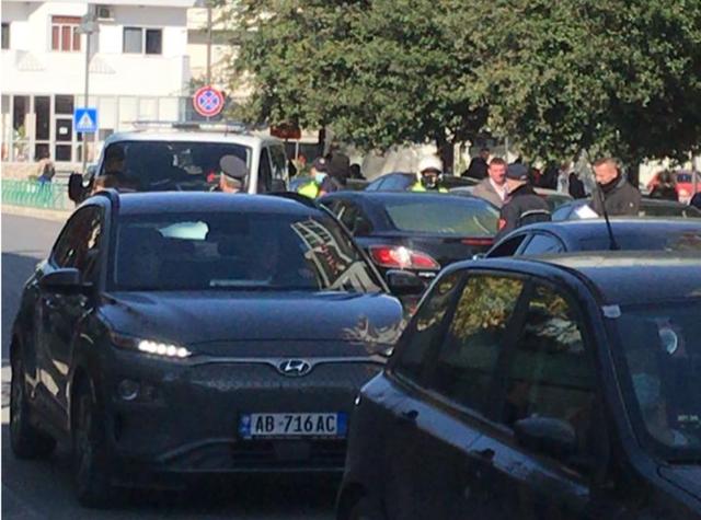 Të shtëna me armë zjarri në Elbasan, kush ishte objektivi i