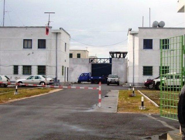 Gjashtë  të burgosur me Covid-19 transferohen nga burgu i