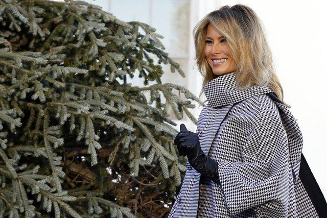 Melania Trump duke pritur bredhin e fundit të Krishtlindjeve në