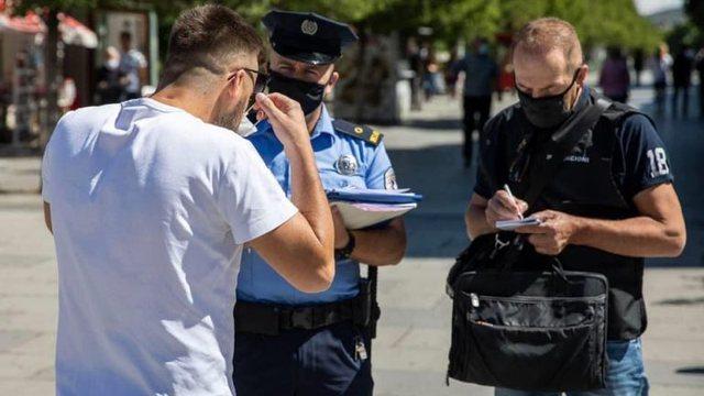 Masat anti-covid/ Ndëshkohen 659 qytetarë pa maskë, gjobiten 11