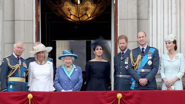 Familja mbretërore e trishtuar dhe mbështetëse ndaj Meghan e