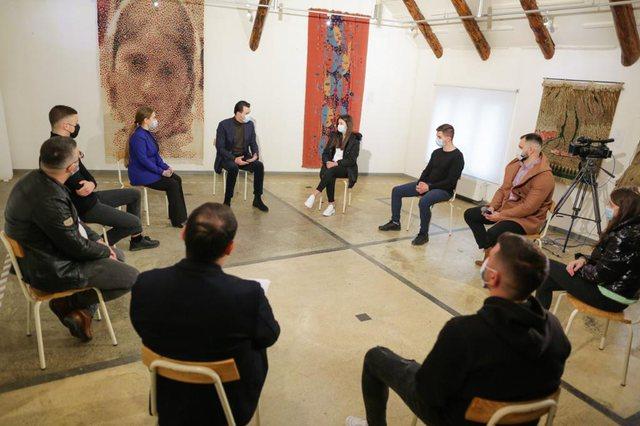 Basha në Kukës: Dy arsye detyrojnë të rinjtë të