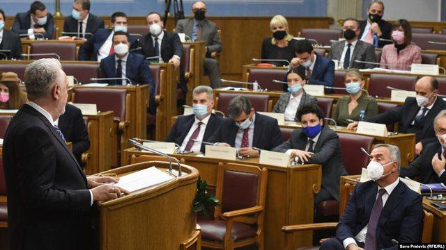 Votohet qeveria e re e Malit të Zi, e para pas tri dekadash pa partinë