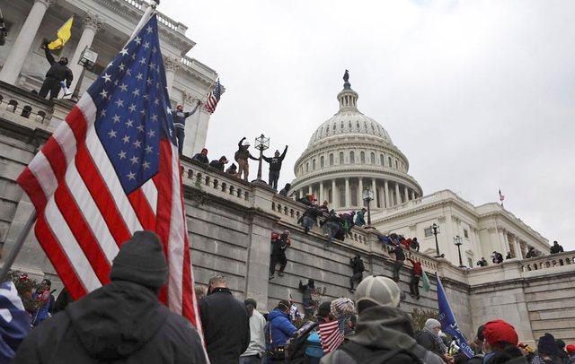 Protestuesit pro Trump sulmuan Capitol Hill, si dështoi siguria në