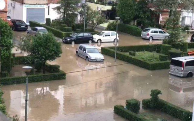 Shqipëria zgjohet 'nën ujë': Shkodra e Lezha më