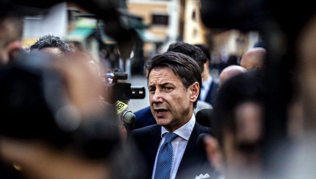 Matteo Renzi tërheq dy ministra, qeveria italiane në krizë