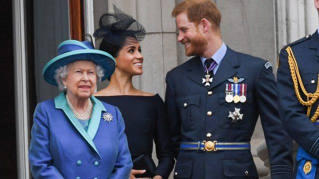 Covid-i ndikoi në distancimin e Meghan Markle e Princit Harry me familjen