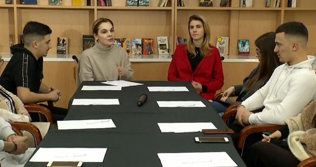 Kryemadhi takim me të rinjtë: Shqipëria e shqiptarëve, jo e