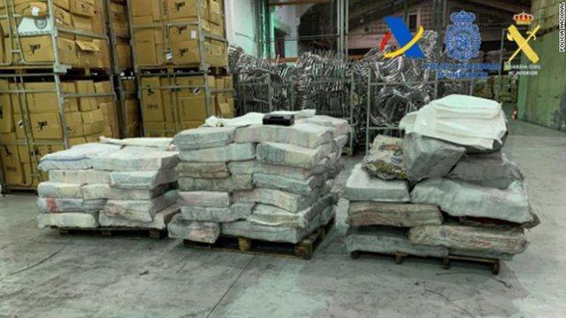 Policia spanjolle sekuestron më shumë se 2 ton kokainë të