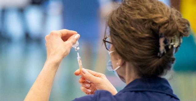 Skandal në Itali/ Mjekëve në vend të vaksinës