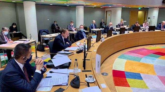 Varhelyi në Këshillin Europian: Duhet qasje më e shpejtë e