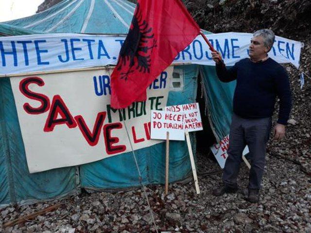 Ndërtimi i HEC-eve/ Banorët e Zall Gjoçajt protestë para