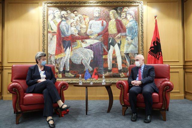 Meta takon Komisioneren Europiane për Çështjet e Brendshme: Pas