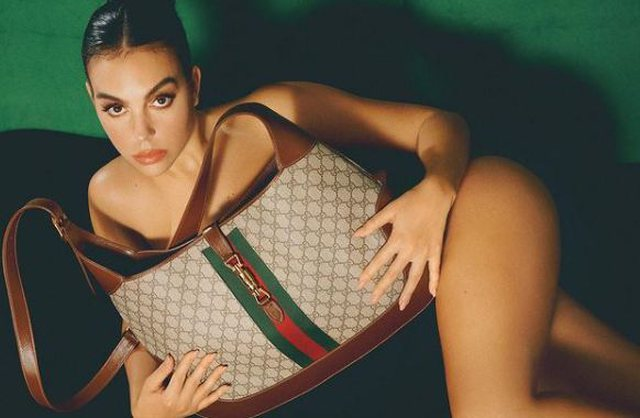 Georgina Rodriguez pozon nudo, komentohet gjerësisht në rrjet