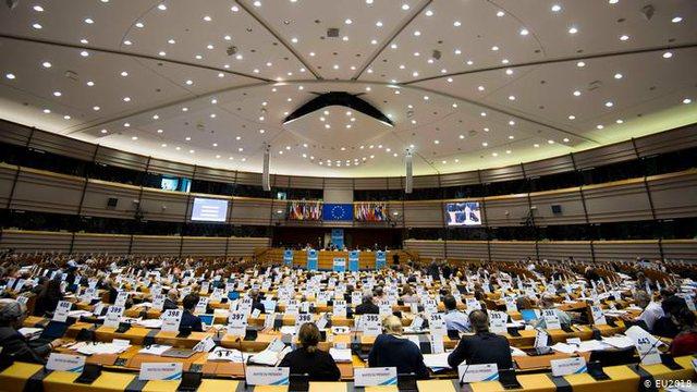 Parlamenti Europian mblidhet sot për të votuar Raportin për