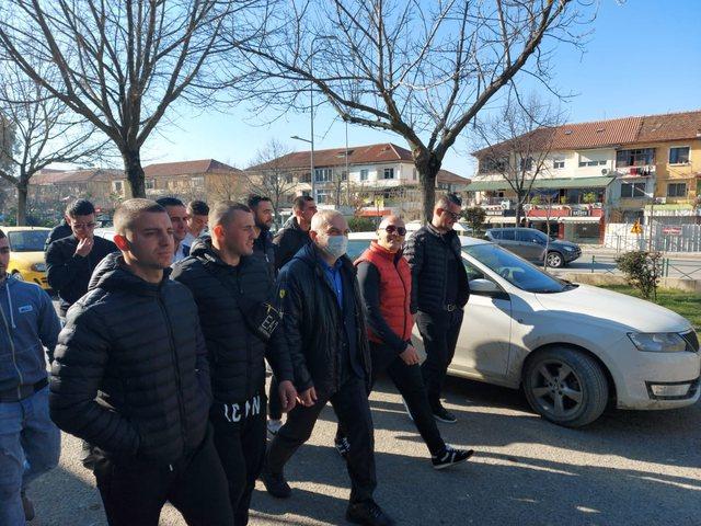 Meta 'marshon' me të rinjtë: Shqipëria e