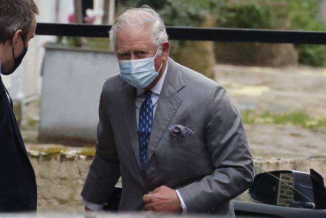 Visited father with Covid-19 in hospital, the British criticize Prince Charles