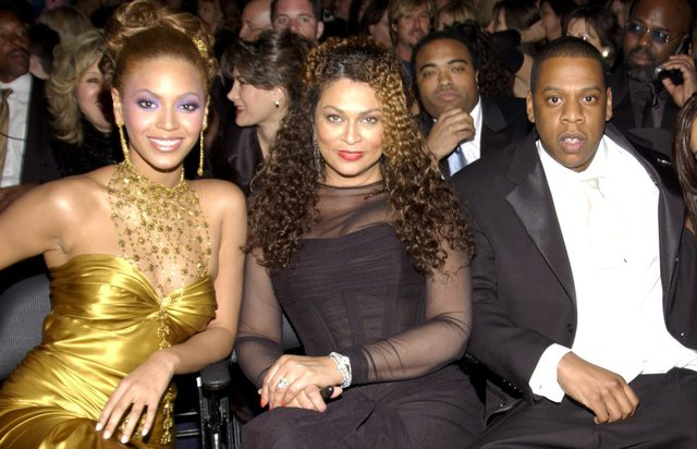 """Nëna e Beyonce-s i shkruan """"letër dashurie"""" dhëndrit,"""