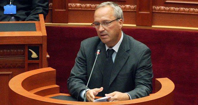 Pas Vasilika Hysit, largohet nga PS edhe deputeti Besnik Baraj dy muaj para